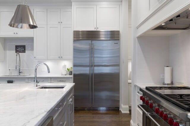 Réfrigérateur congélateur Bosch KGN86AI4P : un combiné au format XXL de 86 cm de largeur !